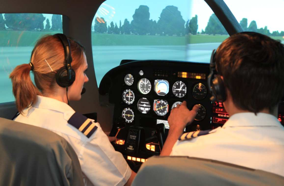 Commercial Pilot Course - Pilot School